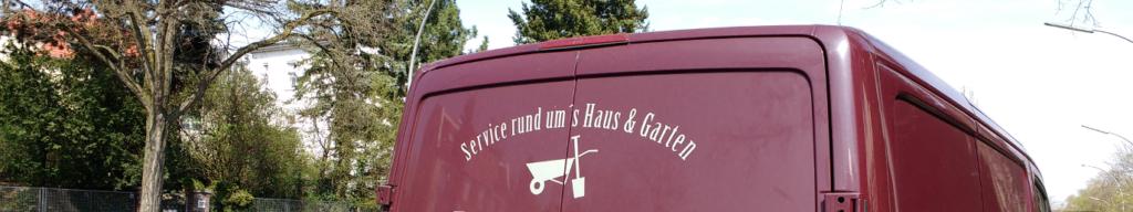 """Auto mit falscher Beschriftung """"Rund ums Haus & Garten"""" Lektorat Berlin"""
